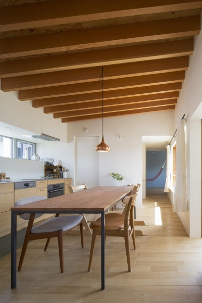 堀之内の家/北欧家具に囲まれて過ごす家 (ダイニングキッチン)