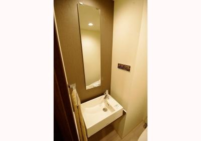 トイレ (築24年でもまるで新築!! モダンリノベーション)