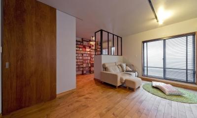 【2×4】趣味と暮らす家 (リビングとホビースペース)