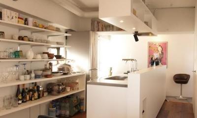 Y—55㎡の空間に斜めの工夫 (キッチン)