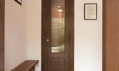 【2×4】エントランスリビング (玄関ドア)
