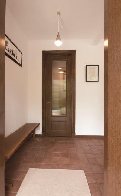玄関ドア (【2×4】エントランスリビング)