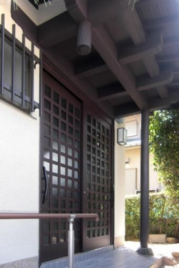 M邸 二世帯住宅 (玄関ドア)