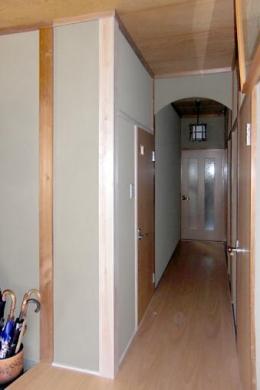 M邸 二世帯住宅 (1F廊下)