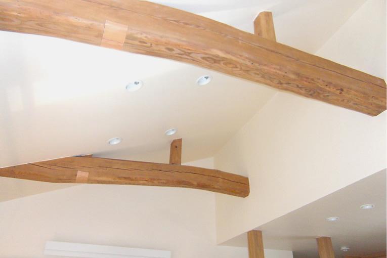 M邸 二世帯住宅の部屋 リビングの勾配天井