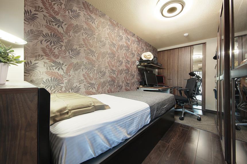 住空間にサロンをもつという選択の部屋 アジアンリゾートな雰囲気の寝室