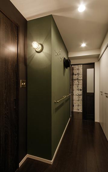 旅の途中…の部屋 異国の雰囲気が漂うショップのような内装の廊下