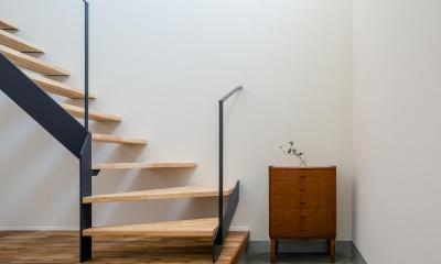 土間・階段|はじまりの家