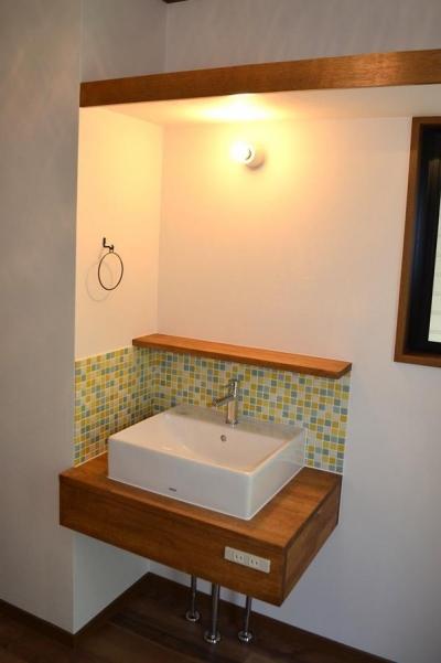 洗面室 (『高屋の家』築24年の住宅リフォーム)