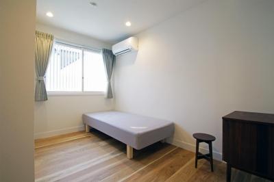ベッドルーム (リノベーション×シェアハウスで菜園を育てながら満喫するスローライフ)