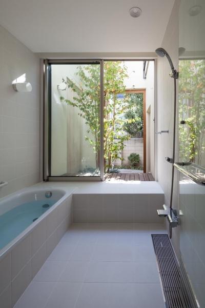朝庭の住まい (浴室)