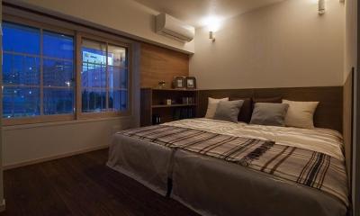 間接照明が優しい夜の寝室|風や光の通り道を創り、心地良い時間を楽しむ暮らし