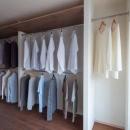 衣類もたっぷり収納できる大型クロゼット