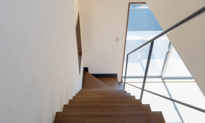 N邸 (階段)