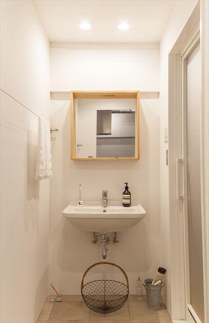 """自然体が心地よい""""自分たちだけの空間""""の部屋 コンパクトな洗面台"""