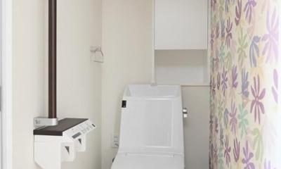 寝屋川市 O様邸|マンション全面リノベーション工事 (廊下と同じ床高さのバリアフリーのトイレ)