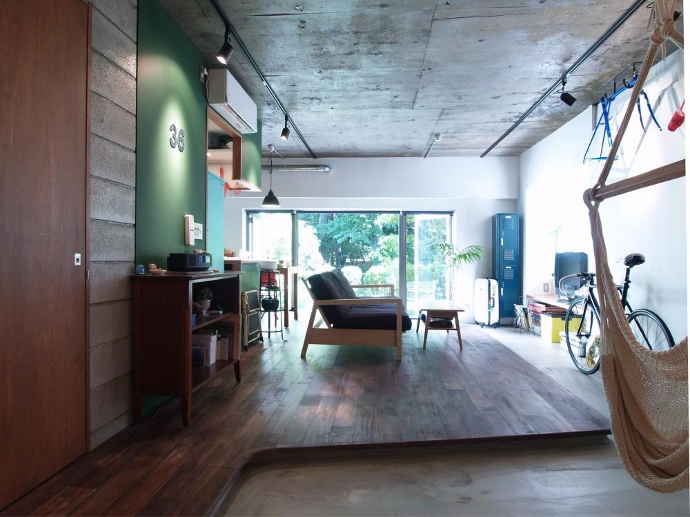 COSTA—部屋の真ん中に自転車を吊るして (リビングルーム)