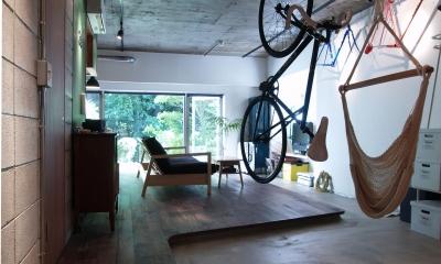 COSTA—部屋の真ん中に自転車を吊るして (玄関)