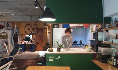 COSTA—部屋の真ん中に自転車を吊るして (キッチン)