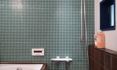 COSTA—部屋の真ん中に自転車を吊るして (バスルーム)