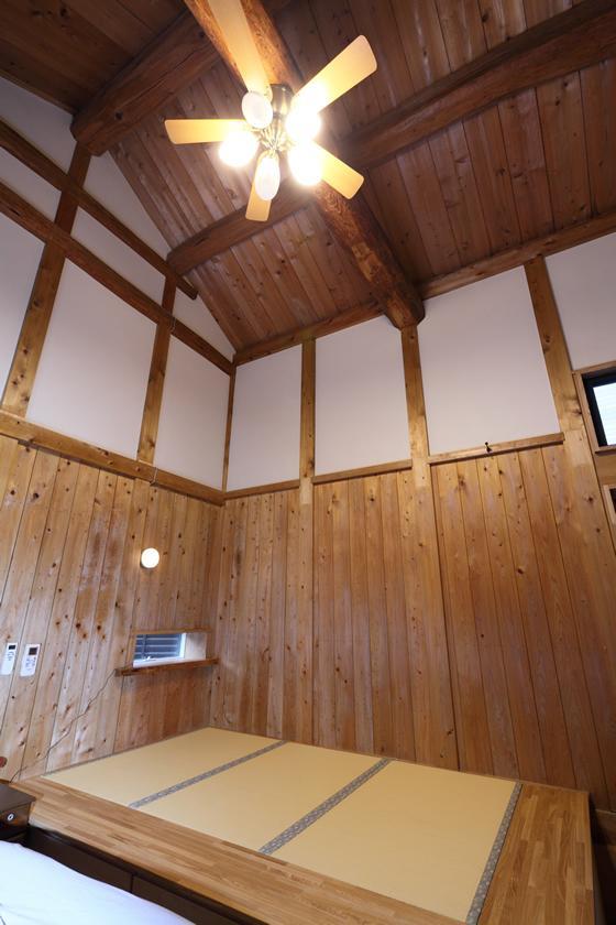 枚方市 T様邸蔵と母屋のリノベーション工事の写真 築54年の蔵を寝室にリノベーション