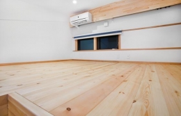 K・プラン・サ-ビスの注文住宅の家 (広いロフト)