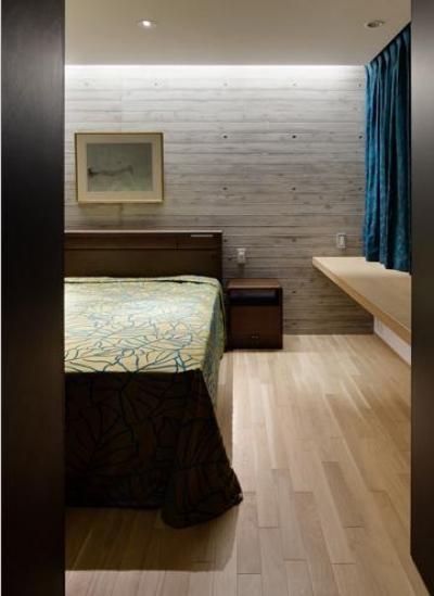 落ち着いた雰囲気の寝室 (元住吉の医院併設住宅)