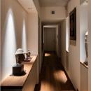 田園調布の家の写真 段差のある長い廊下