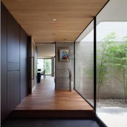 八王子の家 (光と緑を感じる玄関)