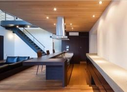 八王子の家 (ダイニングテーブル付きのキッチン)