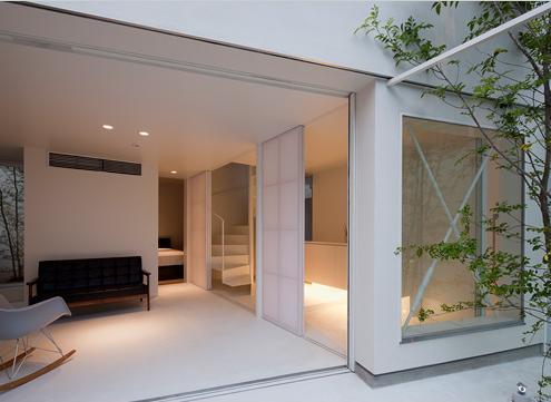 東綾瀬の家の部屋 開放的なリビング