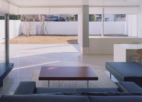 石岡の家 (オープンな大空間のリビング)