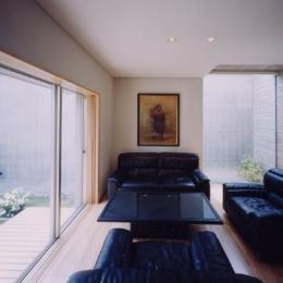 白楽の家 (中庭と一体感のあるリビング)