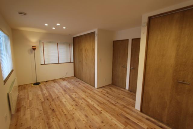 彩りの家の部屋 シンプルな洋室