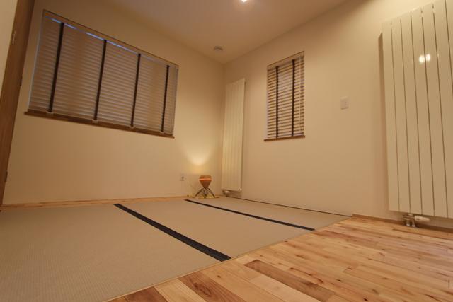 彩りの家の部屋 畳コーナー