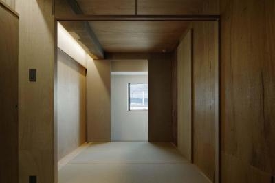 色々な要素が層状に重なる寝室 (囲みの層)