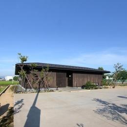 能美市の家 (田畑を埋め立て形成された500㎡を超える広大な平屋)