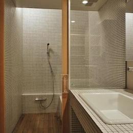 タイル張りのバスルーム