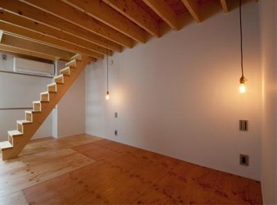 個性的な階段のある洋室 (マトリョーシカノイエ)