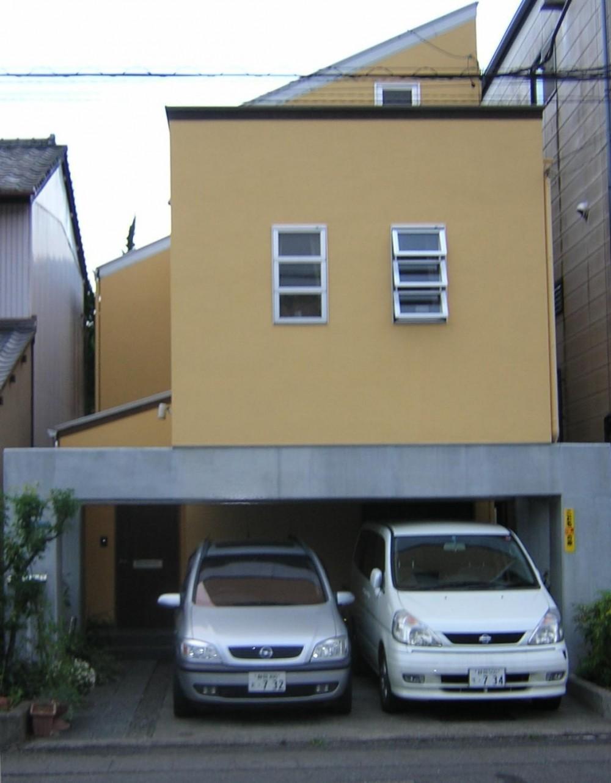 ビルトインガレージのある家 (北側外観)