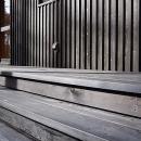 屋外階段デッキ