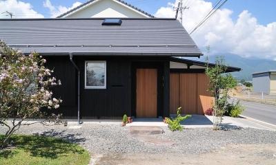 倭の家 (東側外観)