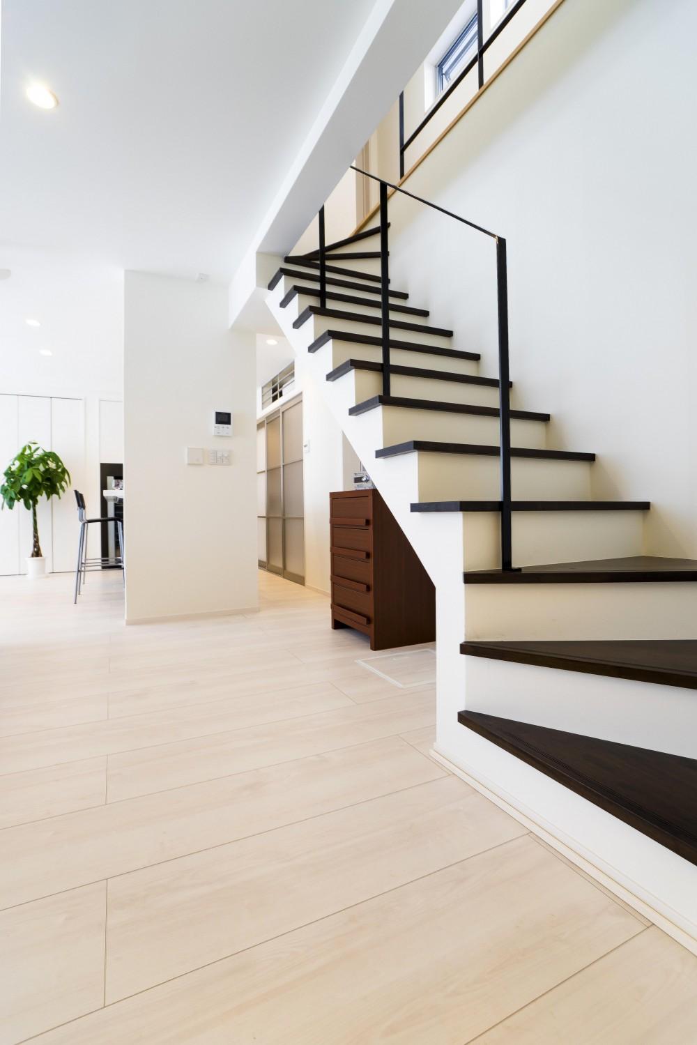 ひとつながりの家 (リビング階段)