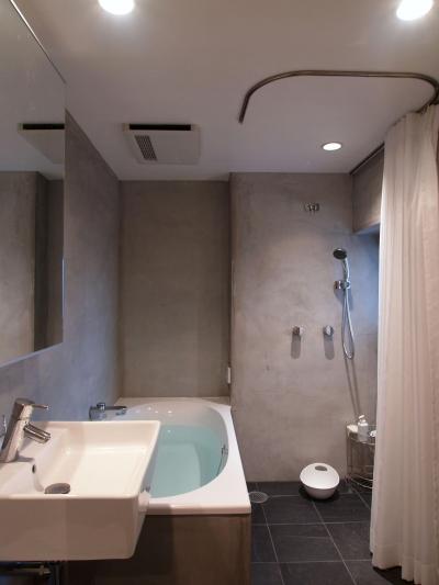 バスルーム (JB—リビングとつながるバルコニーで夜景を独り占め)