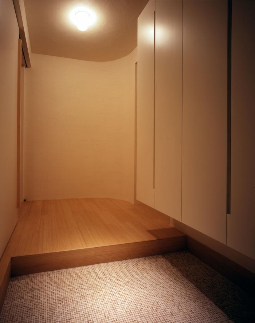 sato house (玄関)