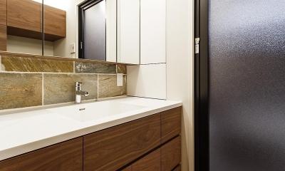 rehaus-an/上質な大人の空間へのマンションリフォーム (洗面室)