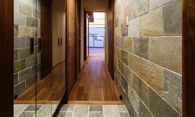 rehaus-an/上質な大人の空間へのマンションリフォーム (玄関)
