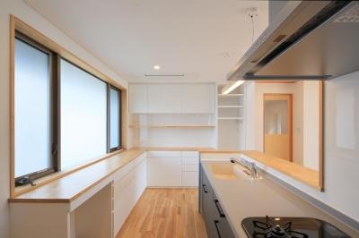 南鷹尾町の家~陽だまりの家~ (キッチン)