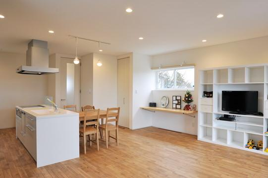 ダイニングキッチン (家歴を継ぐハナレ)