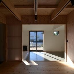 方形の庵 (開放的な空間)